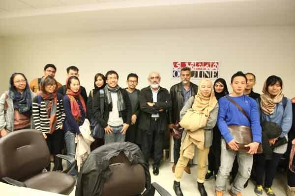 پروفسور فرید العطاس و دانشجویان سنگاپوری در همشهری آنلاین