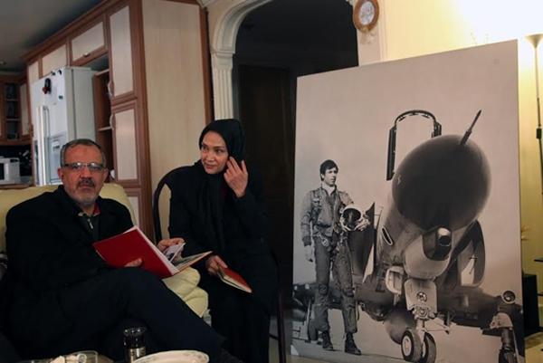احمد مسجد جامعی به دیدار خانواده شهیدی رفت که در آسمان از امام استقبال کرده بود