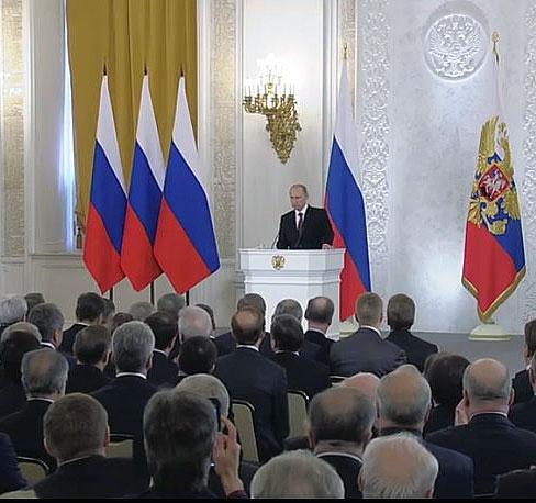 پوتین: رفراندوم کریمه کاملا قانونی است
