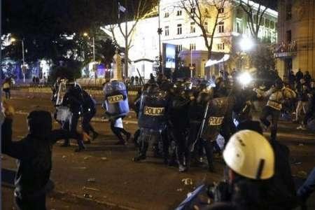 درگیری تظاهرکنندگان با پلیس در مادرید