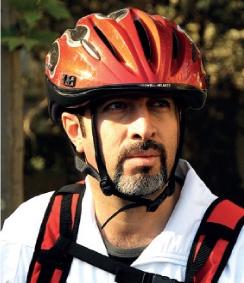 مدیر دوچرخهسوار در تهران