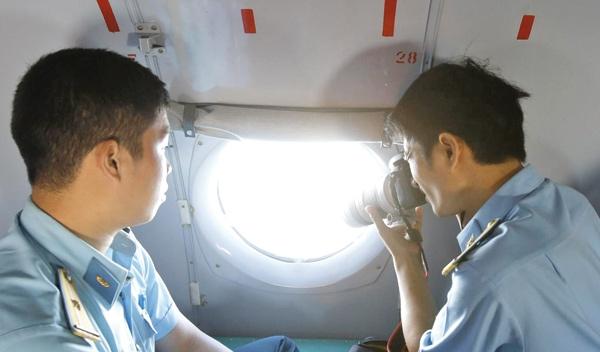 تلفن همراه مسافران هواپیمای مالزی روشن است