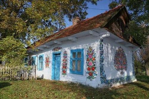 آشنایی با زالیپای، روستای گلهای نقاشی