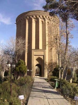 برج گردی در تهران ؛ از برج میلاد تا برج شبلی
