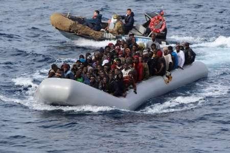 نجات ۱۱۰۰ مهاجر غیرقانونی در آب های ایتالیا
