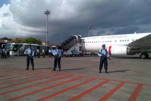 اقدام عجیب جوان استرالیایی و اختلال در فرودگاه بالی اندونزی