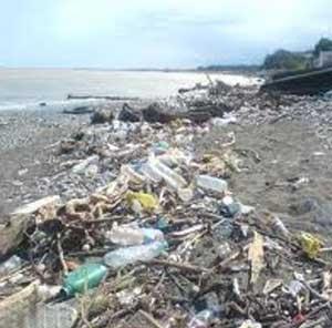 وضعیت انباشت زباله سواحل کشور در ایام نوروز نامناسب بود