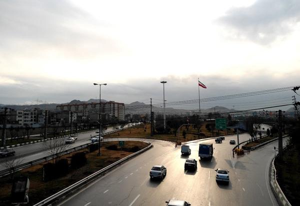 ساخت پل یککیلومتری در بزرگراه بعثت