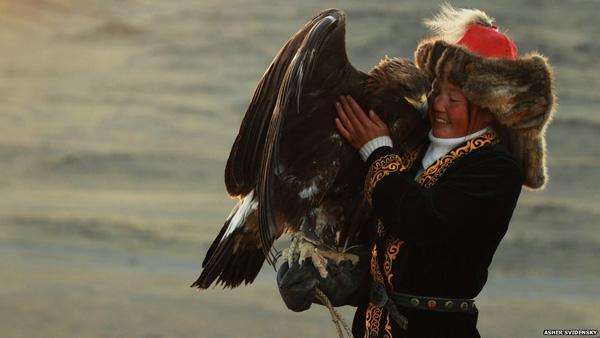 شکار با عقابهای طلایی