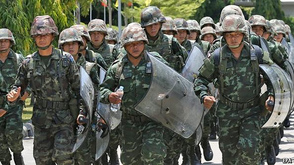 ارتش تایلند سنای این کشور را منحل کرد