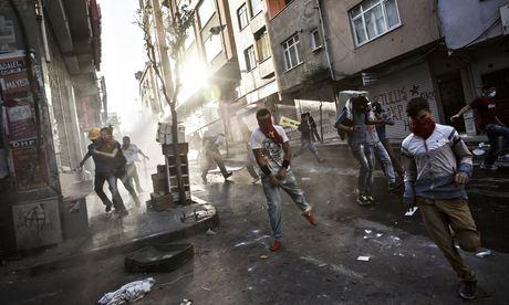 معترضان ضد دولتی در ترکیه با پلیس درگیر شدند