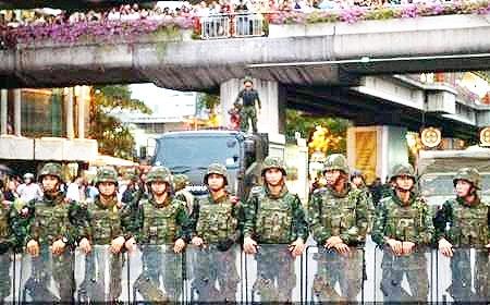 حمله کودتاچیان تایلند به مرکز سرخ جامگان