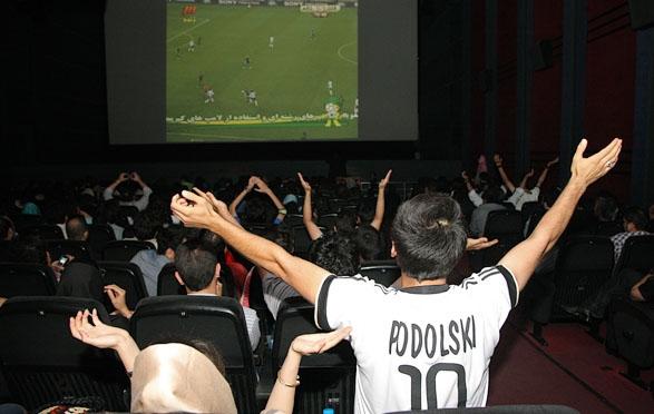 آخرین وضعیت نمایش مسابقات فوتبال در پردیسهای سینمایی
