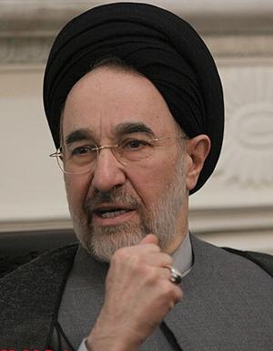 خاتمی: از تلاش برای کمک به دولت روحانی دریغ نخواهم کرد