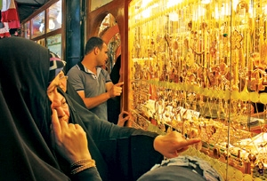 مشکل مالیاتی طلا فروشان چیست؟