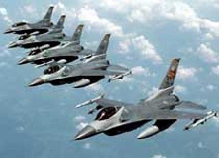 جنگنده های عراق نیروهای داعش را درتکریت هدف قرار دادند