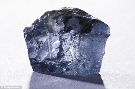 کشف بزرگترین الماس آبی جهان در آفریقا