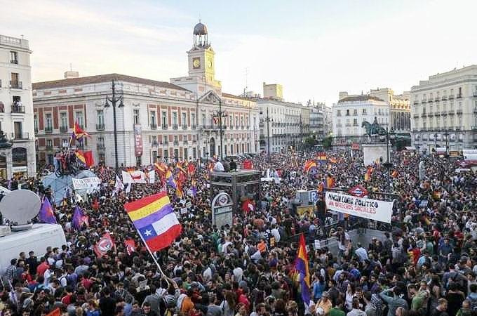 مردم اسپانیا خواستار برچیده شدن نظام سلطنتی شدند