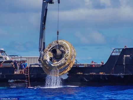 سقوط بشقابپرنده ناسا در اقیانوس