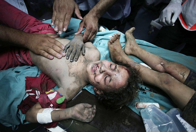 حملات هوایی و زمینی صهیونیستها به غزه ادامه دارد؛ تصاویر را ببینید