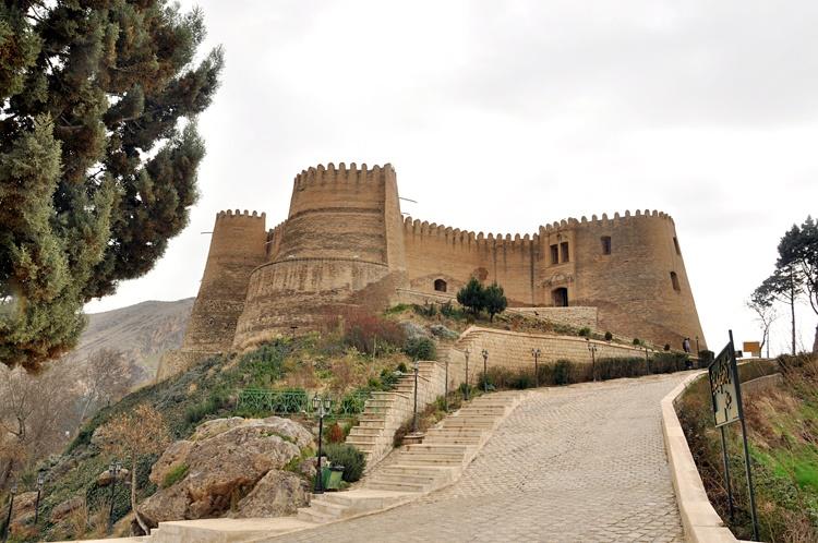 گزارش تصویری از فلک الافلاک، گرداب سنگی و مناره سنگی خرم آباد