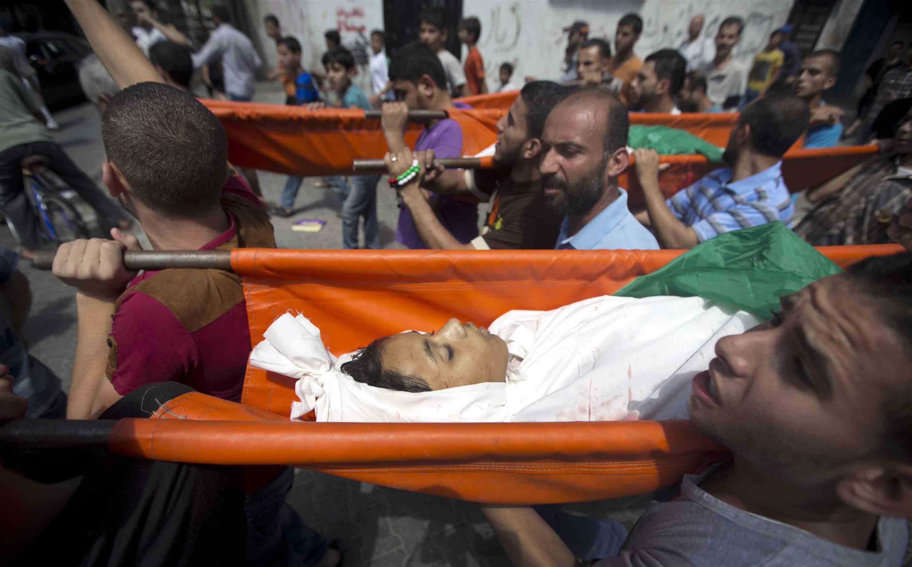 غزه در خون ؛ ۶۰۴ شهید و ۳۷۰۰ زخمی