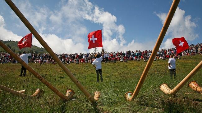 جشنواره جهانی آلفورن؛ شیپور سنتی سوئیسیها