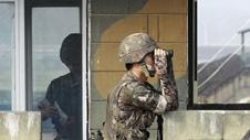14-7-22-12238southkoreasoldier.jpg