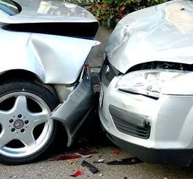 تصادف زنجیره ای ۱۲ خودرو در آزادراه ساوه- همدان