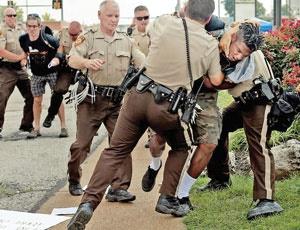شورش در فرگوسن از تبعیض نژادی تا تبعیض طبقاتی