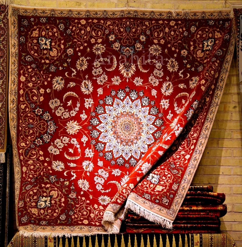 فرشهای ایرانی در خانه هنرمندان گسترده میشوند