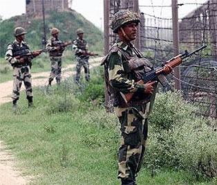 تبادل آتش بین نیروهای هندی و پاکستانی؛ دو غیر نظامی کشته شدند