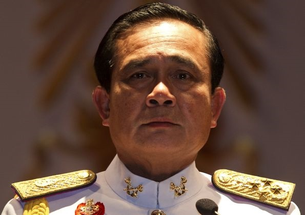دیکتاتور پیشین تایلند، نخست وزیر فعلی