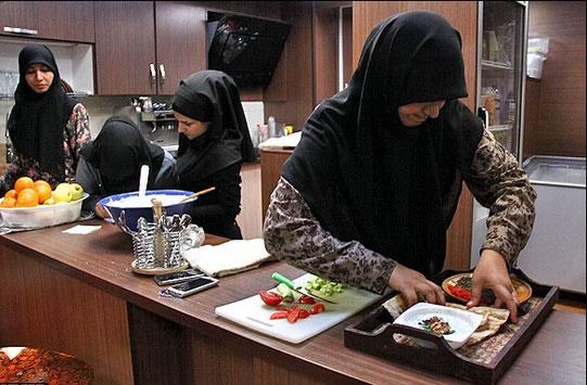 ممنوعیت اشتغال زنان در کافیشاپها و قهوه خانهها