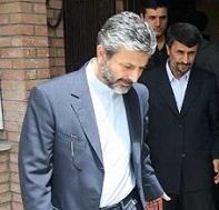 سکوت و لبخند احمدی نژاد؛ کامران دانشجو از بورسیهها گفت و روسیاهی ذغال