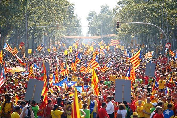 کاتالونیا برای برگزاری همه پرسی استقلال در ماه نوامبر آماده می شود