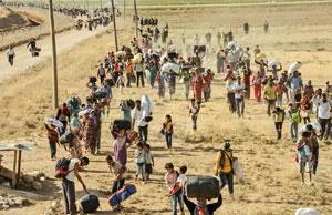 هزاران نفر از کردهای سوریه با حملات داعش به روستاهای نزدیک مرز ترکیه مجبور به فرار  به ترکیه شدهاند