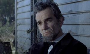 دنیل دی لوئیس در نقش آبراهام لینکلن در فیلم لینکلن ساخته استیون اسپیلبرگ ۲۰۱۲