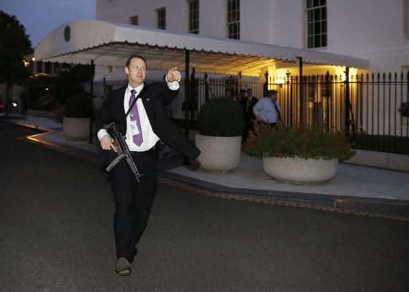 کاخ سفید تخلیه شد