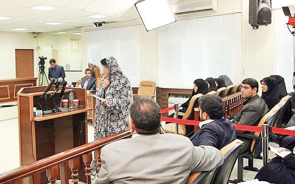 زنان زندانی همچنان با چادر در محاکم حاضر میشوند