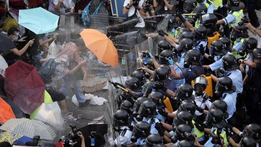ادامه تظاهرات معترضین در هنگ کنگ