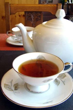 به جای قهوه، چای بنوشید