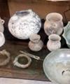 کشف عتیقههای تاریخی در صندوقچه قدیمی طلافروش