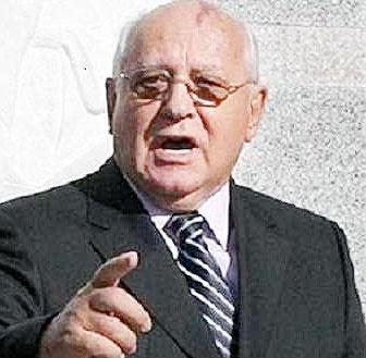 گورباچف نسبت به امکان وقوع جنگ اتمی هشدار داد