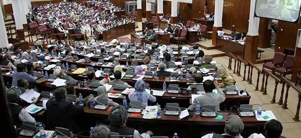 مجلس افغانستان به ۸ وزیر رای اعتماد داد و  صلاحیت ۱۰ نفر را رد شد