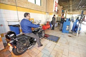 معاینه فنی ۴۰ دستگاه موتورسیکلت