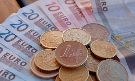 ارزش یورو به پایینترین سطح در ۹ سال گذشته رسید