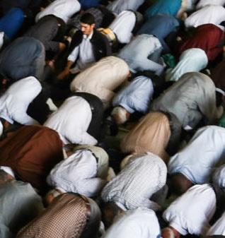 نماز عید غدیر خم در مسجد غدیر اقامه شد