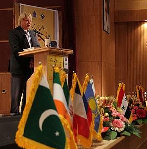 ایران از ثروتمند ترین کشورهای دنیا در حوزه زبان است