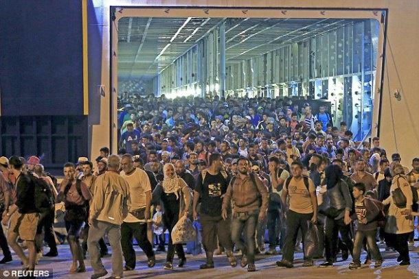 سازمان ملل: بیش از ۷۰۰ هزار پناهنده در سال ۲۰۱۵ به اروپا آمدهاند